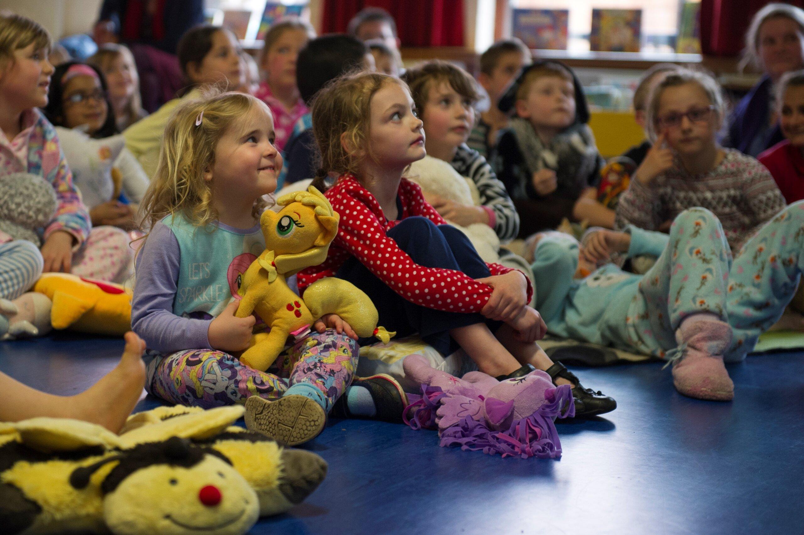 Encouraging family bonds through storytelling